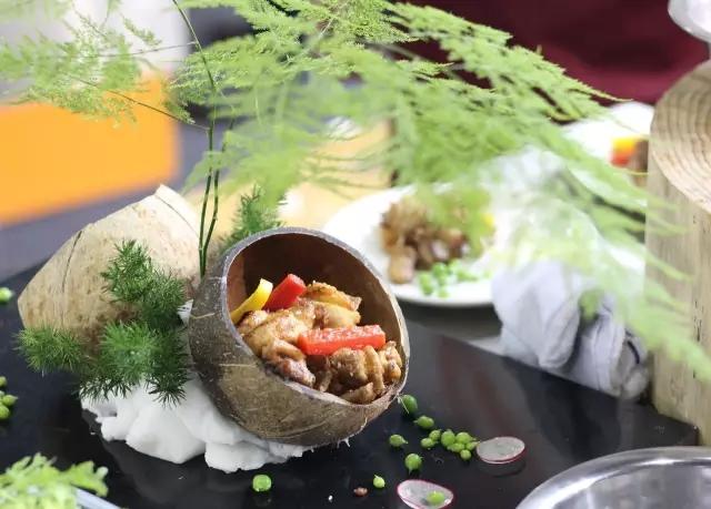 烹饪组金奖:澳门街《沙姜鸡》